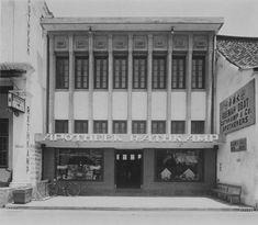 Apotheek Rathkamp & Co op Kembang Djepoen, Soerabaja | Colonial