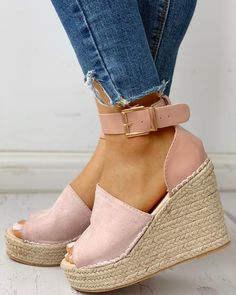Mode Shoes, Lee Joongi, Comfortable Wedges, Style And Grace, Women's Sandals, Pattern Fashion, Sneakers Fashion, Me Too Shoes, Espadrilles