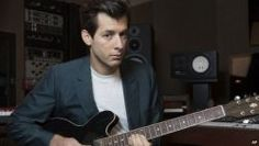 Mark Ronson quer trabalhar com Harry Styles #AmyWinehouse, #BrunoMars, #Funk, #GQ, #Grupo, #HarryStyles, #Noticias, #OneDirection, #Pop, #Popzone http://popzone.tv/2016/02/mark-ronson-quer-trabalhar-com-harry-styles.html