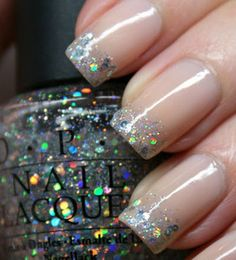 Ohh I need to get a glitter polish for my nude!