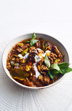 Pork and aubergine jungle curry Savoury Recipes, Easy Healthy Recipes, Indian Food Recipes, Asian Recipes, Ethnic Recipes, Pork Dishes, Pasta Dishes, Curry Recipes, Pork Recipes