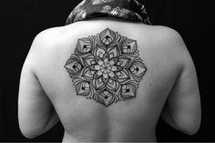 follow the colours tattoo friday Brian Gomes 14 Brasileiro Brian Gomes é especializado em DotWork e tribal