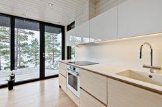Kitchen cabinets by Kitzen. Kitchen Island, Kitchen Cabinets, Bathtub, Touch, Bathroom, Home Decor, Island Kitchen, Standing Bath, Washroom
