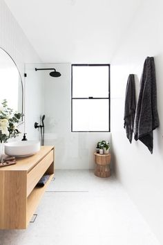Neutral bathroom - wood white black #neutralbathroom #bathroomwoodwhiteblack