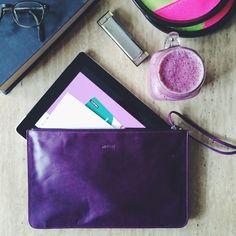 purple ipad pouch | tech savvy | made in mtl | www.m0851.com