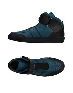 Logo Two-tone Velcro closure Round toeline Flat Leather lining Rubber cleated sole Contains non-textile parts of animal origin Large sized Versace Sneakers, Versace Shoes, Versace Versace, Pretty Shoes, Beautiful Shoes, Comfy Shoes, Casual Shoes, Athleisure Shoes, High Top Sneakers
