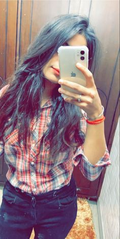 Cute Girl Face, Cute Girl Photo, Beautiful Girl Photo, Beautiful Girl Indian, Teen Girl Poses, Cute Girl Poses, Girl Photo Poses, Teenage Girl Photography, Girl Photography Poses