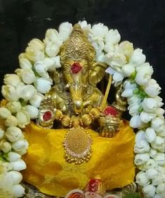 Shri Ganesh Images, Ganesha Pictures, Ganesha Rangoli, Ganesh Bhagwan, Ganesh Photo, Silver Pooja Items, Baby Ganesha, Ganapati Decoration, Ganesh Lord