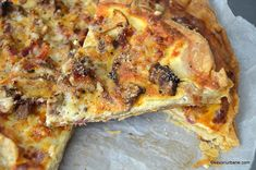 quiche cu ciuperci branza si bacon Quiche Lorraine, Lasagna, Bacon, Pizza, Cheese, Cookies, Breakfast, Ethnic Recipes, Food