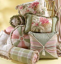 M4410, Pillow Essentials