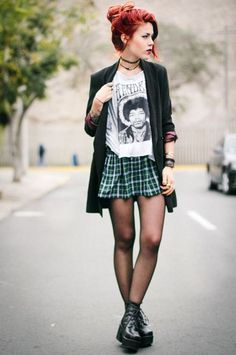 What I'd Wear : The Outfit Database (source : Le Happy ) Punk Outfits, Mode Outfits, Grunge Outfits, Fashion Outfits, Grunge Dress, Skirt Outfits, Casual Outfits, Fashion Guys, 90s Fashion Grunge