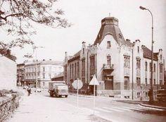 Bývalý hotel Central v Kolíně, před stavbou nájezdu na nový most Street View, Retro, Historia, Retro Illustration