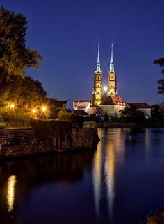 Archikatedra św. Jana Chrzciciela, Breslauer Dom, Cathedral of St. John the Baptist with full moon, Wroclaw, Breslau, Polska, Polen, please enlarge #Poland #Church #Night