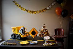 "Love the ""roadwork"" tablecloth. D's Construction Party"