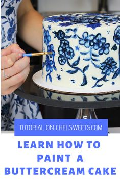 Learn how to paint on a buttercream cake! It's a lot easier than you'd think. The full tutorial and recipe are up on Brownie Desserts, Oreo Dessert, Mini Desserts, French Desserts, Plated Desserts, Healthy Desserts, Cake Decorating Techniques, Cake Decorating Tips, Cookie Decorating