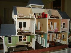 ANTIQUE LITTLE ORPHAN ANNIE DOLLHOUSE, PRO BUILT, ELECTRIFIED, FURNISHED