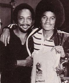 Janni Tholstrup Jorgensen uploaded this image to 'Michael Jackson - The Jacksons Era'. See the album on Photobucket. Mike Jackson, Jackson Family, The Wiz, Old Celebrities, Photos Of Michael Jackson, Quincy Jones, King Of Music, The Jacksons, Funny Animal Memes