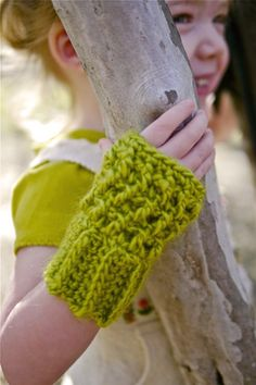 Wristy Business, Child Size wristwarmers: free pattern
