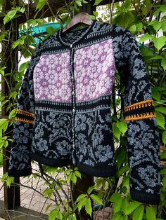 """Ravelry: Gusik's Cardigan """"from Oleana"""""""