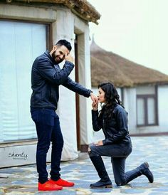 Punjabi couple images Punjabi Couple Pics Collection of Cute Punjabi Jodiyan Couple Pics images photos and Cute Images of Punjabi sardar couple Indian Wedding Couple Photography, Wedding Couple Photos, Wedding Couple Poses Photography, Couple Photoshoot Poses, Couple Picture Poses, Couple Posing, Couple Pics, Best Couple Pic, Sister Photography