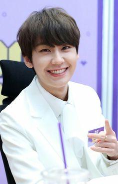 Btob Ilhoon, Im Hyunsik, Lee Changsub, Lee Minhyuk, Btob Members, Rapper, Writing Lyrics, Hyuna, Fans Cafe