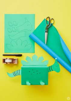 Best gifts box for boyfriend green Ideas Baby Gift Wrapping, Birthday Gift Wrapping, Creative Gift Wrapping, Christmas Gift Wrapping, Creative Gifts, Presents For Boys, Presents For Boyfriend, Gifts For Boys, Boyfriend Gifts