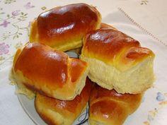 O Pão Caseiro de Liquidificador é fácil de fazer, fofinho e delicioso. Faça esse pão caseiro para o café e receba muitos elogios. Confira a receita
