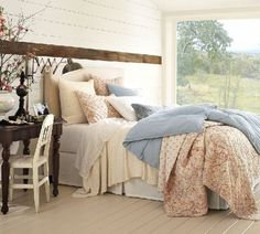 Fluffy comforters (No link but they look like pottery barn)