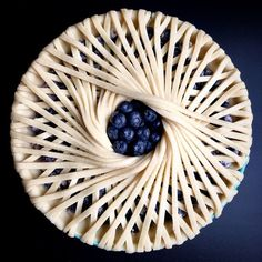 Ideas fruit cake design pie crusts for 2019 Fruit Cake Design, Pie Crust Designs, Pie Decoration, Pies Art, Impressive Desserts, Sweet Pie, Fruit Tart, No Bake Pies, Pie Dessert