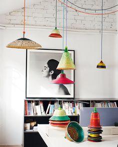 la cana el mimbre y el rattan – Life ideas Basket Lighting, Cool Lighting, Rattan, Wicker, Diy Lampe, Everything Is Illuminated, Outdoor Hanging Lights, I Love Lamp, Decoration