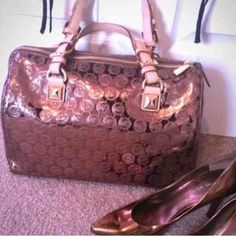 MICHAEL KORS LARGE COCOA GRAYSON Never used just stored. Small areas that have faded as shown in pics. Does not lose shape when carried, as it is store stuffed. Considering reasonable offers. Michael Kors Bags