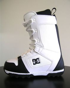 DC Phase Snowboard Boots Mens Size 8 - 2011 - (2)