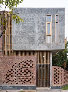 always loved brick facades. The depth of the facade and the rectangular gain always loved brick facades. The depth of the facade and the rectangular windows look great. I bet the architect enjoyed Design Exterior, Brick Design, Facade Design, Wall Design, Design Design, Design Ideas, Architecture Résidentielle, Contemporary Architecture, Contemporary Homes