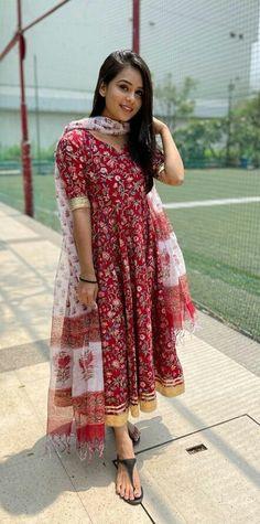 Kurti, Cool Designs, Saree, Dresses, Fashion, Vestidos, Moda, Fashion Styles, Sari