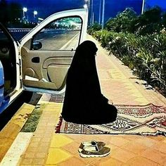 "Pray Salat on time wherever you are, whatever you are doing Delay anything but Salah Quran 74: 42-43 What ld you to Hell Fire? They will say ""we were not those who prayed"""