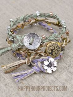 DIY button clasp hemp bracelets DIY Hemp Bracelet Patterns That are Great for Summer Hemp Jewelry, Jewelry Crafts, Beaded Jewelry, Handmade Jewelry, Jewlery, Recycled Jewelry, Crystal Jewelry, Gold Jewelry, Hemp Bracelet Patterns