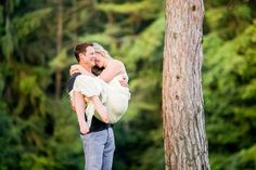 How cute is this engagement photo?  http://www.weddingchicks.com/2013/12/11/private-picnic-engagement-session/