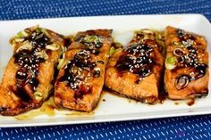 Soms heb je weleens een recept en die moet je dan gewoon delen. Dat doe ik bijna elke dag haha, maar deze Zalm Teriyaki uit de oven is echt geweldig.