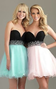 I want to go to homecoming with my Best Friend and have matching dresses in different colors❤️