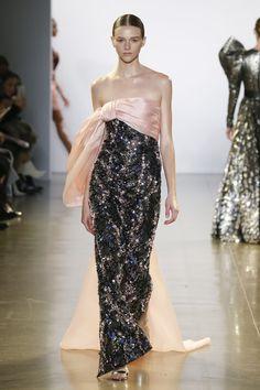 New York Fashion, Runway Fashion, Fashion News, Fashion Outfits, Womens Fashion, Short Dresses, Formal Dresses, Fabulous Dresses, Runway Models