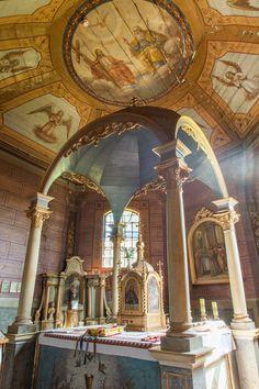 Turzańsk. Drewniana cerkiew greckokatolicka z 1803 roku. /  Turzansk. Wooden Greek Catholic Tserkva from 1803.   Podkarpackie ,Poland