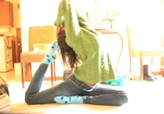 dejasana ♥ A really great guide to starting Yoga for beginners - practical tips that are really helpful!
