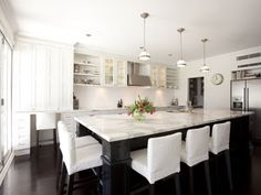 Merveilleux Porchlight Interiors: Whopping Big Bench: Marble Top With Black Island And  White Cabinets Contrast