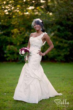 One shoulder wedding dress Our Wedding Day, Wedding Shit, Wedding Ideas, I Dress, Big Day, One Shoulder Wedding Dress, Marriage, Wedding Dresses, Weddings