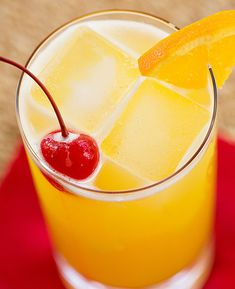 Atlantic Breeze: rum, apricot brandy, lemon, pineapple juice, and Galliano. Summer in a cup!