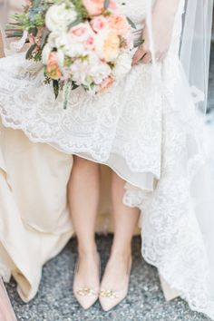 Bride in Pink Flats | photography by http://www.lmartinwedding.com/