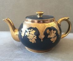 VINTAGE GIBSON BARLASTON TEA POT MADE IN ENGLAND NAVY BLUE AND GOLD Trim