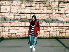 What I'll wear on Rainy Season  Maroon Rouge Parka from Loony Store Studio Plimsolls Shoes from Pull & Bear