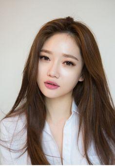 츄 chuu makeup hair color asian, beauty makeup, asian makeup Beauty Make-up, Asian Beauty, Beauty Hacks, Hair Beauty, Korean Beauty, New Hair Colors, Brown Hair Colors, Asian Eyebrows, Natural Eyebrows