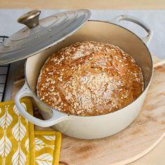 Grytebrød av spelt og havre Baking Recipes, Hamburger, Food And Drink, Cooking Recipes, Hamburgers, Grilling Recipes, Bakery Recipes